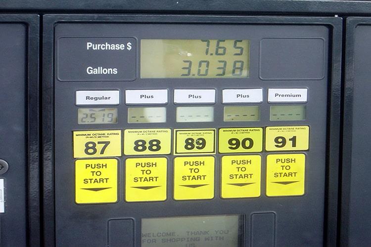 US-Zapfsäule mit Benzinsorten