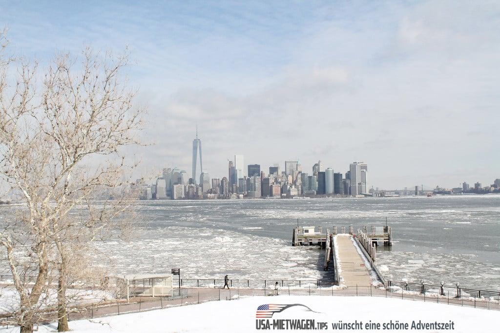 Die New York Skyline zur Winterzeit
