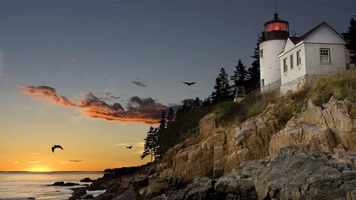 Lighthouse Tour Of New England