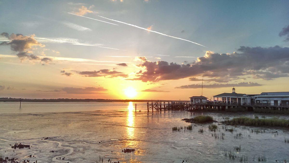 Wunderschöner Sonnenuntergang auf Jekyll Island in Georgia