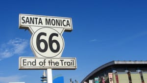 Der Endpunkt der Route 66 in Santa Monica, Kalifornien