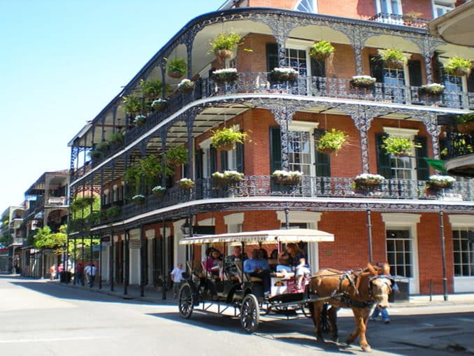 Das French Quarter in New Orleans (Bildquelle: http://bit.ly/1MuKy8i)