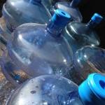 Wasser in Gallonen