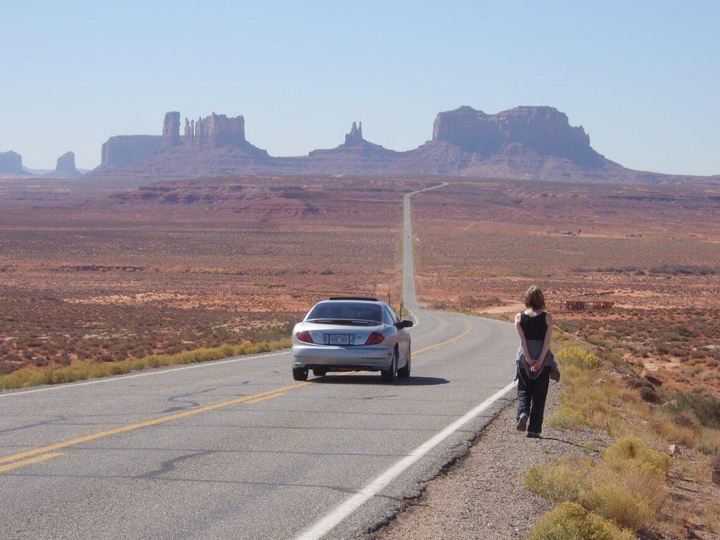 Highway zum Monument Valley in Utah.