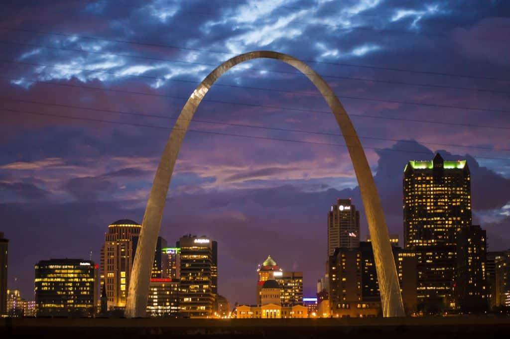 St. Louis mit seinem Wahrzeichen Gateway Arch